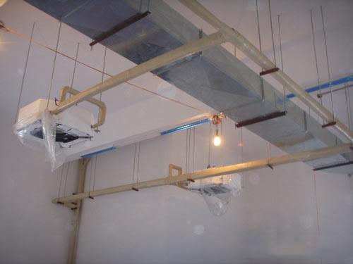 中央空风管安装效果图