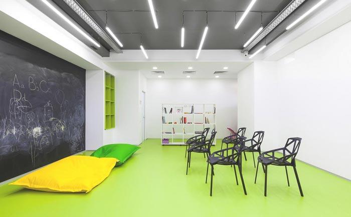 新语言培训学校办公室装修设计案例