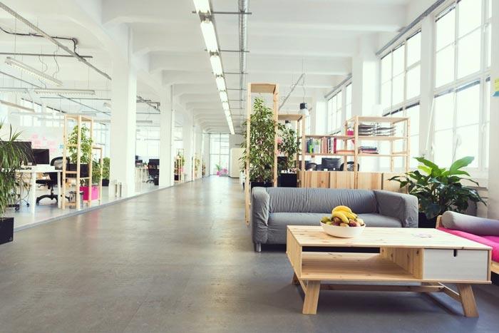 现代开放式办公室动线装修设计实景图