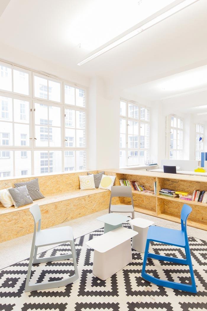 400平方数字营销公司办公室接待区域装修设计实景图