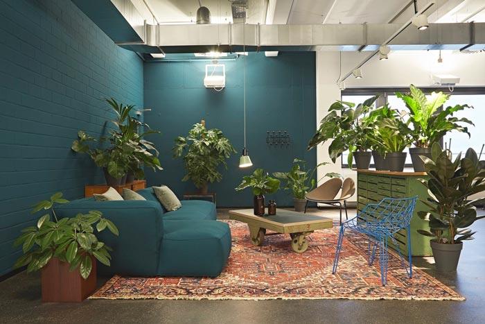 开放创意办公室休息区装修设计实景图