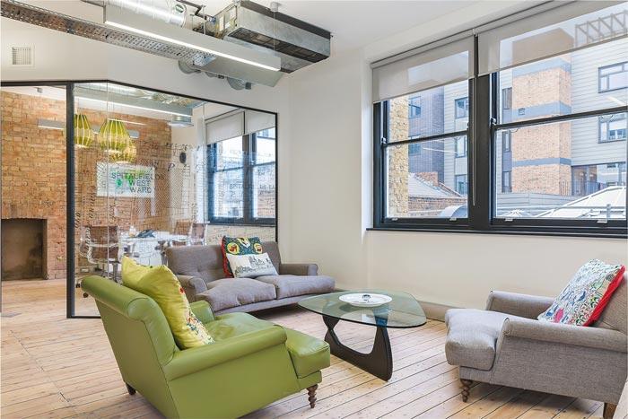 投资公司办公室装修设计实景图