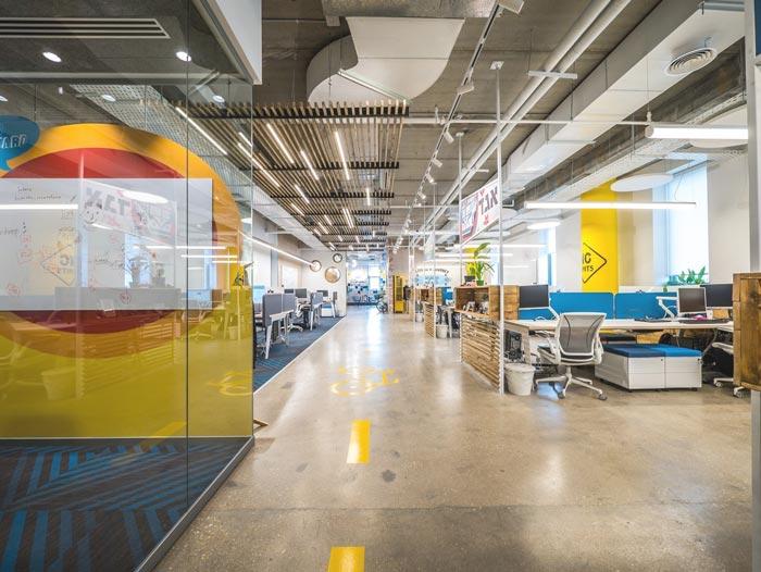 软件开发公司办公室办公区域装修设计实景图
