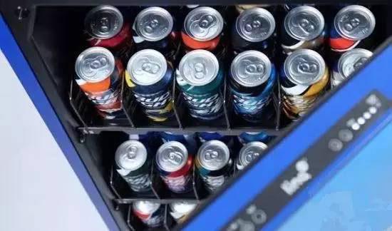 冰箱易拉罐效果图