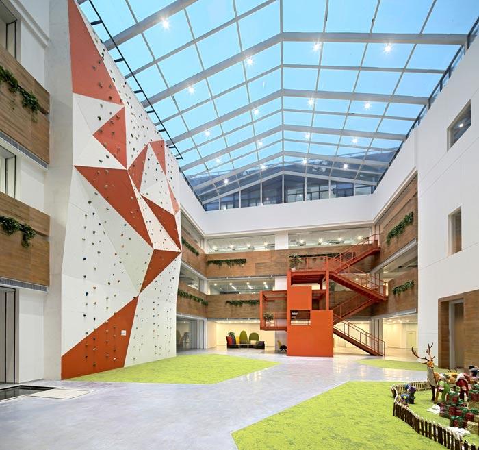 企业总部办公室攀岩区装修设计效果图
