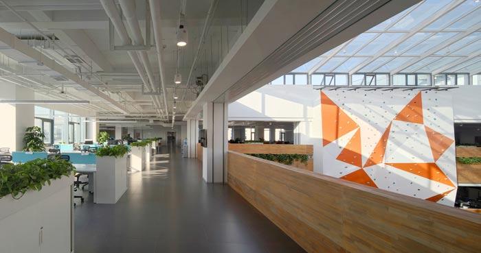 企业总部办公室办公区装修设计效果图