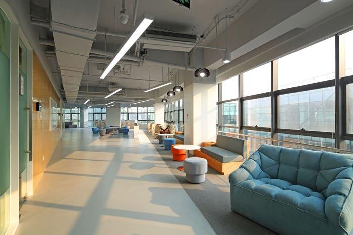 互联网公司办公楼休息区装修设计效果图