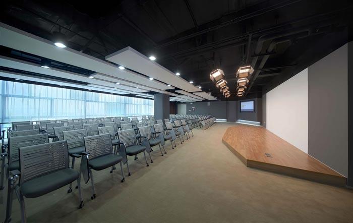 互联网公司办公楼演讲室装修设计效果图