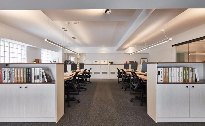 办公室改造办公桌装修设计案例效果图