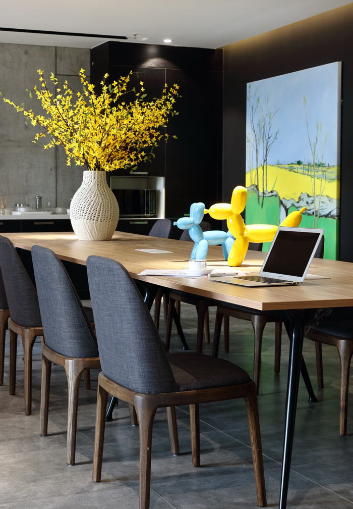 设计公司办公室会议桌装修设计效果图