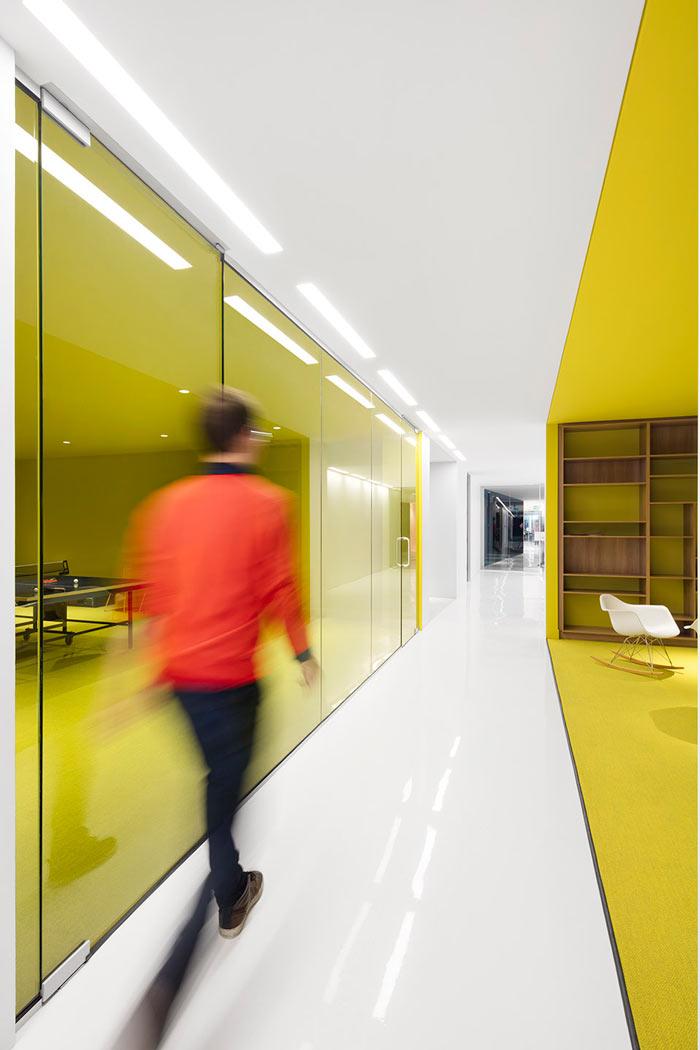 娱乐公司办公室过道装修设计效果图