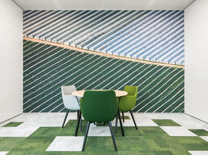 绿色食品公司办公室交流区装修设计效果图