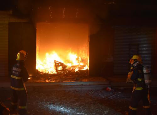 广东海丰社区发生火灾致8人死亡现场图